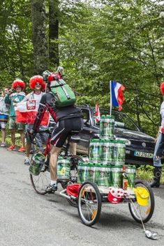 Heineken Cyclist - Ciclista da Heineken . #desenhos #drawing #cycling #ciclismo #caricatura #obicicleteiro #veloaction #drawingcycling #heineken #cyclingheineken #powerheineken #climb #cyclingclimb #tdfheineken Challenge, Drawing, Heineken, Challenges, Alps, Bicycles, Pictures, Sketch, Drawings