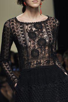 Alberta Ferretti Spring 2014 | detail | black guipure lace | boat neck | high fashion