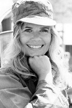 "Loretta Swit, born in 1937 in Passiac, New York is best known as Major Margaret ""Hot Lips"" Houlihan on the TV show "" M*A*S*H "". 1970s Tv Shows, Old Tv Shows, Best Tv Shows, Favorite Tv Shows, Mash Cast, Mash Characters, Next Year, Mash 4077, Alan Alda"
