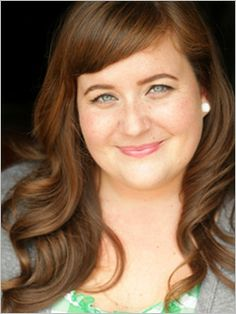 Aidy Bryant of SNL. She is funny as shite and a beauty. Simply Beautiful, Beautiful People, Snl Cast Members, Aidy Bryant, You Make Me Laugh, Girl Humor, Woman Crush, True Beauty, Comedians