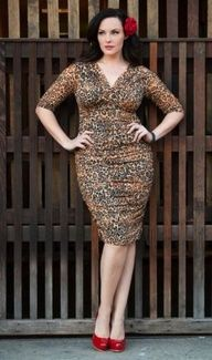 Curvy girls Luscious blog - Melissa Masi - Betsey Ruched Dress at Kiyonna.jpg  This girl looks a lot like me in body type.
