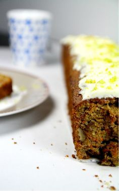 ... de Jamie Oliver) - Carrot Cake with mascarpone and lime frosting