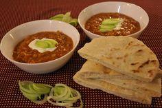 Indický dhál z červené čočky | Tadyhlady.cz Dhal, Hummus, Vegan Recipes, Mexican, Ethnic Recipes, Food, Vegane Rezepte, Essen, Meals