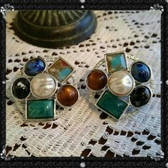 Vintage Sarah coventry clip on earrings Beautiful silver clip on earns in excellent condition Sarah coventry Jewelry Earrings
