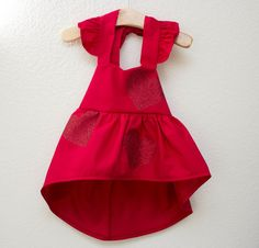 This is the most adorable dress for babies and toddlers. Made from a soft cotton with gorgeous sparkling glitter that never sheds. Pairs well with...