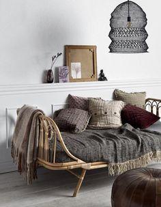Rattan daybed m. grå hynde - Nordal daybed - køb den her Living Room Bedroom, Living Room Furniture, Home Furniture, Bedroom Decor, Rustic Furniture, Modern Furniture, Furniture Layout, Antique Furniture, Outdoor Furniture