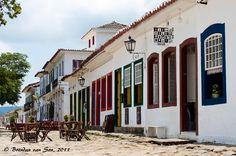 Paraty, no estado do RJ, cidade histórica e hipercharmosa. Sede da FLIP: Festa Literária Internacional de Paraty em julho de todo ano.