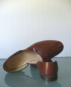 Vintage Beck Men's Leather Slippers. by TheOldBagOnline on Etsy