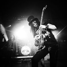 Slash feat. Myles Kennedy & the Conspirators @StubbsAustin TX, May.21.15. #SMKC #WorldOnFire #WOFUSTour2015 © Megan, @perlajam, instagram.com