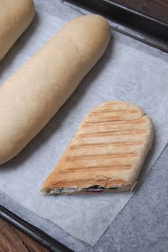 Panini bread, the recipe - Paris in my kitchen Source by rejaneasensio Paninis, Pain Panini, Tapas, Cuisine Diverse, Snack Recipes, Cooking Recipes, Donut Recipes, Masterchef, Cooking Chef