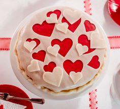 Herzlicher Kuchen Ein schneller Kuchen mit wunderschöner Marzipan-Dekoration zum Valentinstag oder Muttertag
