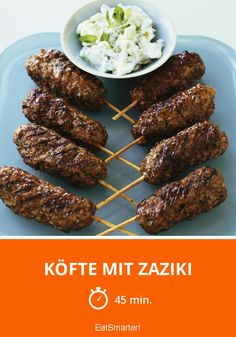 Köfte with Zaziki - smarter - time: 45 min.-Köfte com Zaziki – m. Great Appetizers, Healthy Appetizers, Yummy Snacks, Meat Recipes, Snack Recipes, Oven Vegetables, Homemade Sauerkraut, Healthy Sauces, Vegetable Drinks