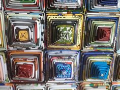 Wandecoratie van gerecycled papier. Verkrijgbaar in verschillende maten. Afgebeeld is 55cm x 55cm. Afkomstig uit Indonesië. #Fair #Trade