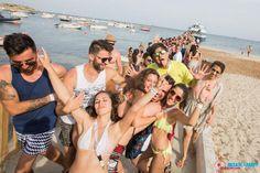 """Ne passer pas à côté de la fameuse """"Ibiza sea party"""", une fête en bateau absolument extraordinaire !"""