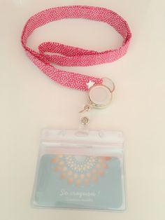 Porte badge, porte clés, porte passe carte rose