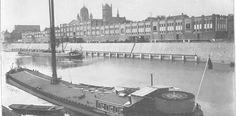 Cretschmarhallen heißt der lange Gebäudekomplex an der Batteriestraße noch für viele Neusser. In dem 1907 errichteten Lagergebäude sind heute das Café Greyhound und das Forum Marienberg untergebracht. Die Lagerhalle nach ihrer Erbauung 1907.