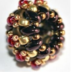 Small twin berry - picture tutorial.  Finding ways to use twin beads. #seed #bead #tutorial