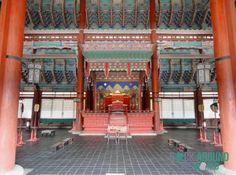 Geunjeongjeon (Hauptthronsaal) vom Gyeongbokgung Palace in Seoul, Südkorea