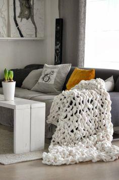 DIY: Tejer una manta gordita y amorosa con los brazos