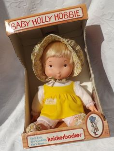 Beautiful Hard to Find MINT in Box Vintage Knickerbocker Yellow Outfit Vinyl and Cloth Baby Holly Hobbie Doll w Clothes & Booklet