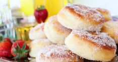Ruuanlaittoa ja leivontaa sekä DIY-vinkkejä. Amerikkalainen ja italialainen keittiö on lähellä sydäntäni. Doughnut, Hamburger, Pie, Bread, Snacks, Baking, Sweet, Desserts, Food