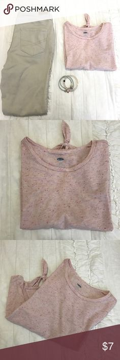 •Old navy crop-top• •Old navy crop-top• Not selling jeans• Size Large but fits like a Medium• Heathered pink & white, With pink,orange tiny Pom poms• No stains• Small tie at the bottom•Any questions please feel free to ask! Reasonable offers are welcomed• Old Navy Tops Crop Tops