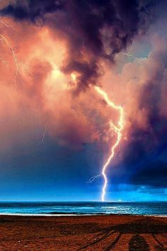 Lightning - Perfect Storm - By Fabrizio Lutzoni All Nature, Science And Nature, Amazing Nature, Beautiful Sky, Beautiful World, Nature Pictures, Cool Pictures, Storm Pictures, Fuerza Natural