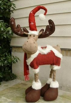 A Christmas Moose Christmas Moose, Christmas Sewing, Christmas Projects, Christmas Time, Merry Christmas, Christmas Decorations, Christmas Ornaments, Holiday Decor, Moose Decor