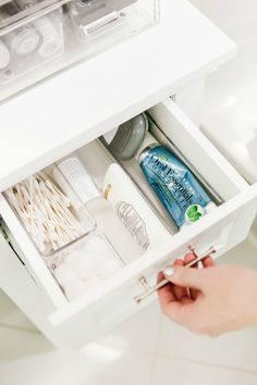 How To Organize Your Beauty Products - Honestly Jamie Bathroom Sink Organization, Bathroom Organisation, Closet Organization, Bathroom Storage, Organization Ideas, Storage Ideas, West Hollywood Apartment, Peaceful Home, One Bedroom Apartment