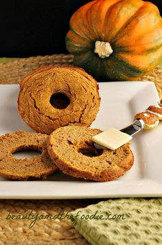 Paleo Pumpkin Bagels   Grain free, Paleo, gluten free and low carb version. Starch free, dairy free, with nut free options. beautyandthefoodie.com
