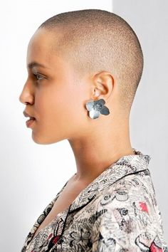 Best Womens Hairstyles For Fine Hair – HerHairdos Super Short Hair, Short Hair Cuts, Short Hair Styles, Natural Hair Cuts, Natural Hair Styles, Bald Head Women, New Hair Look, Bald Hair, Short Hairstyles For Women