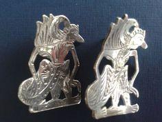 Online veilinghuis Catawiki: Twee zilveren Djokja kaasduimen, ca. 1920