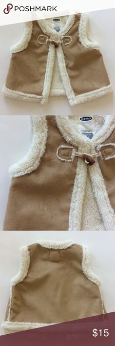 👫Old Navy vest Old Navy vest. Super cute and super soft. Faux suede. One toggle closure in front. 100% polyester. 12-18 mths. Like new condition. Old Navy Jackets & Coats Vests