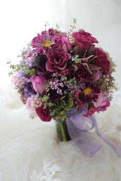 お色直しのブーケ 八芳園さまへ 1+1様のドレスにあわせて : 一会 ウエディングの花