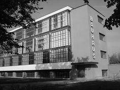 Walter Gropius - Bauhaus Dessau (1926) Bauhaus