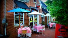 A Dozen Food 'Pit Stops' On the Way to the Maryland-Delaware Shore