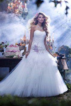 """Vestido inspirado na Aurora de """"A Bela Adormecida"""""""