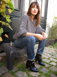 Steal Her Style! Jeanne Damas and French Girl Cool Jeanne Damas, French Girl Style, French Girls, Cool Girl Style, French Chic, Stage Outfit, Parisian Chic Style, Parisienne Chic, Charlotte Gainsbourg