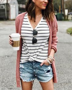 Casual Spring Outfits To Look Forward to the Season Best Outfit Ideas and Fashion Casual Spring Outfits To Look Forward to the SeasonBest Outfit Ideas and Fashion TrendsBest Outfit I # Top Fashion, Fashion Mode, Fashion Outfits, Womens Fashion, Fashion Ideas, Petite Fashion, Fashion 2020, Unique Fashion, High Fashion