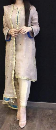 Pakistani Fashion Party Wear, Pakistani Wedding Outfits, Indian Outfits, Indian Fashion, Simple Pakistani Dresses, Pakistani Dress Design, Fashion Pants, Fashion Clothes, Fashion Outfits