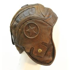Wild Card Flight Helmet is an exquisite piece. It has lots of great details, inc. Steampunk Accessories, Photo Accessories, Steampunk Costume, Steampunk Fashion, Leather Front Pocket Wallet, Aviator Hat, Leather Factory, Black Leather Gloves, Driving Gloves