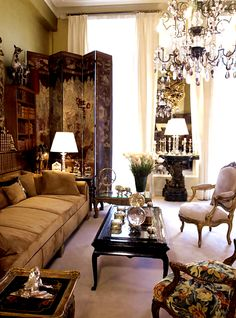 Wilhelmina Home Inspiration - Coco Chanel's Paris Flat Coco Chanel, Chanel Paris, French Interior, French Decor, My Living Room, Living Spaces, Home Theaters, Paris Flat, Chinoiserie Chic
