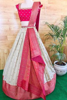 Party Wear Long Gowns, Designer Party Wear Dresses, Party Wear Indian Dresses, Indian Gowns Dresses, Indian Fashion Dresses, Indian Designer Outfits, Half Saree Designs, Sari Blouse Designs, Fancy Blouse Designs