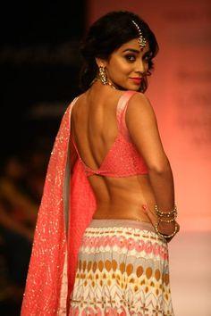 Shriya Saran walks the ramp for designer Shravan Kumar on Day 5 of the Lakme Fashion Week (LFW) Winter/Festive held at Grand Hyatt, Mumbai, on August Blouse Designs Catalogue, Blouse Back Neck Designs, Saris, Hot Actresses, Indian Actresses, Stylish Blouse Design, Lehenga Choli Online, Lakme Fashion Week, Most Beautiful Indian Actress