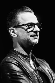 Dave Gahan looking so classy and tranquil, compared to the crazy kinda-out-of-control spirited and energetic animal on the stage