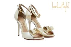 V250-Sandals in waxy leather heel  10 color beige golden brass studs on application staple