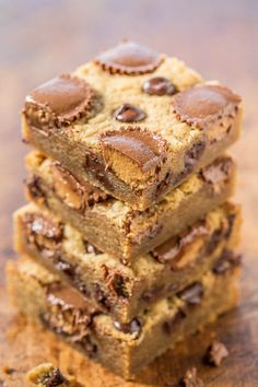Peanut Butter Cup Peanut Butter Bars - Loaded with peanut butter cups and chocolate!!