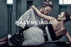 Balenciaga Foto: Steven Klein Styling: Panos Yiapanis Modelos: Lara Stone e Kate Moss