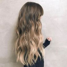 Curly/Wavy Hairstyle on Ombré Dark Brown & Light Blonde Hair