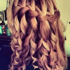 Pretty Hairstlyes